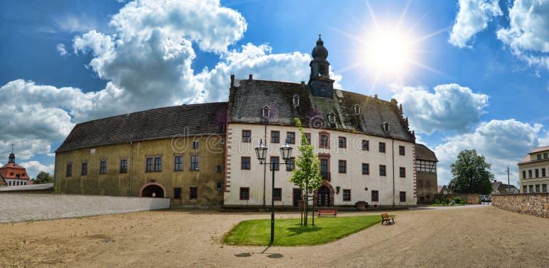 Priessnitz, castelo da cidade sob o céu azul, Alemanha imagem de stock royalty free