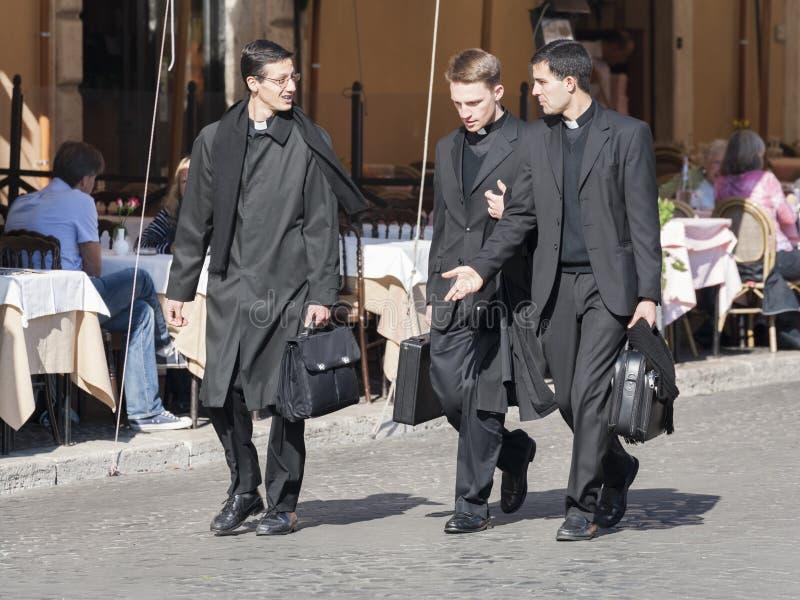 priests fotos de stock royalty free