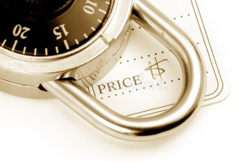 Prijskaartje en slot royalty-vrije stock fotografie