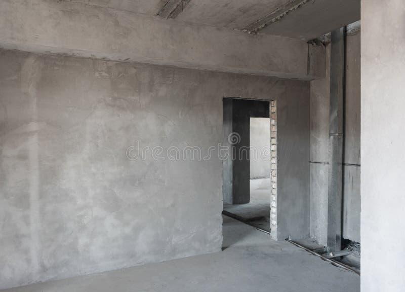 Primärreparatur von Voraussetzungen im Neubau stockfotografie
