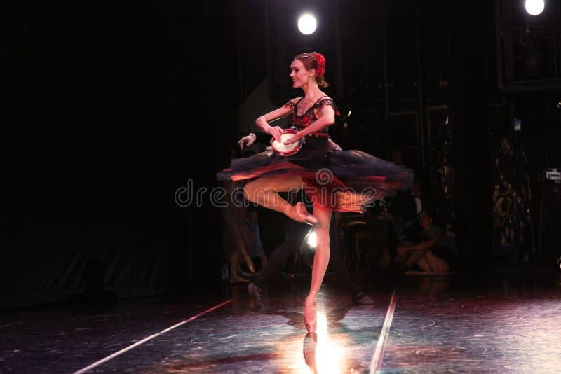 Prima ballerina av den Mariinsky teatern Ulyana Lopatkina fotografering för bildbyråer