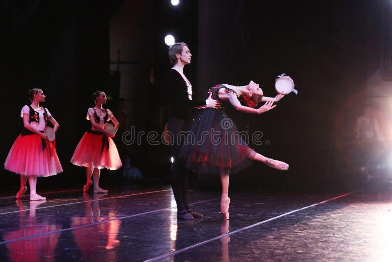 Prima-Ballerina des Mariinsky-Theaters Ulyana Lopatkina und so stockfotografie