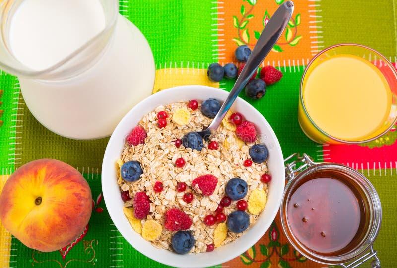 Download Prima colazione fotografia stock. Immagine di breakfast - 117978518