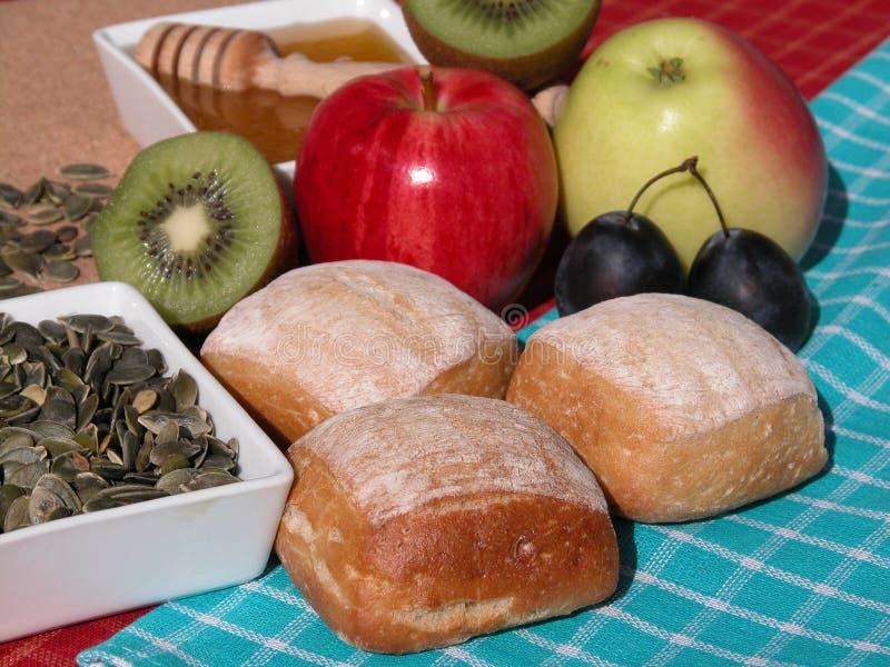 Download Prima colazione immagine stock. Immagine di kiwi, alimento - 220895