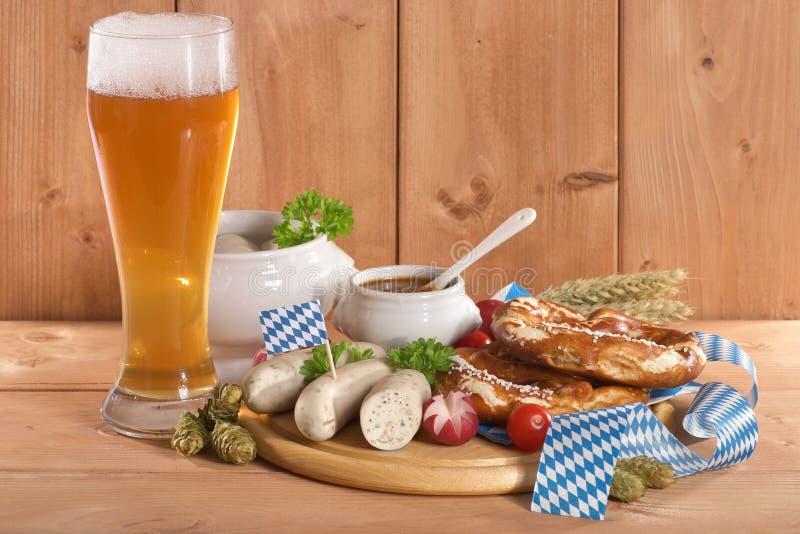 Prima colazione bavarese della salsiccia del vitello fotografia stock libera da diritti