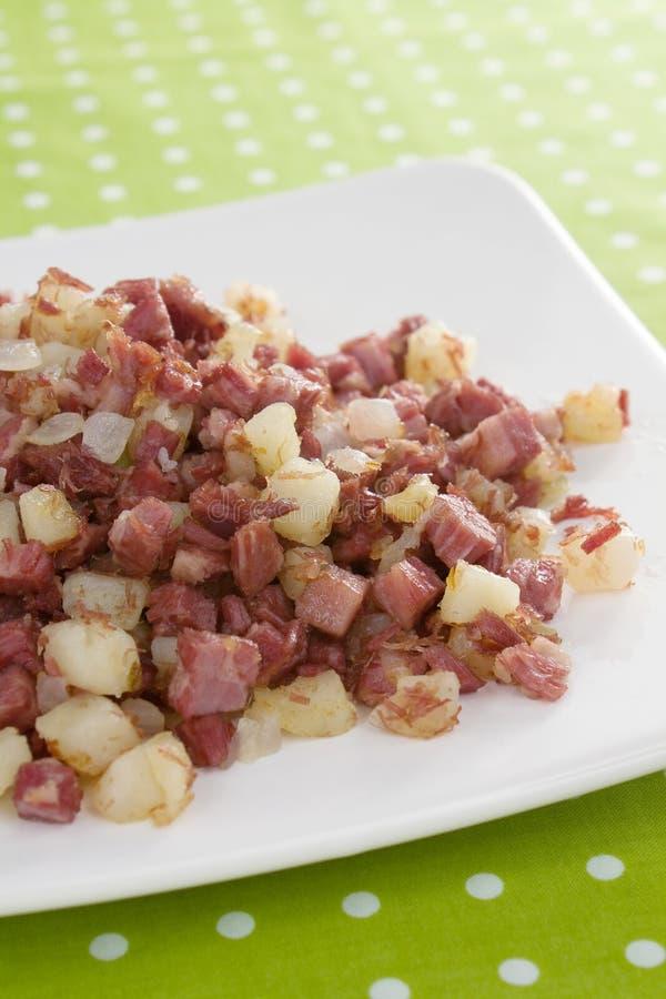Prima colazione del Hash di corned beef fotografie stock