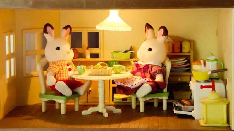 Prima colazione della famiglia dei topi immagini stock libere da diritti