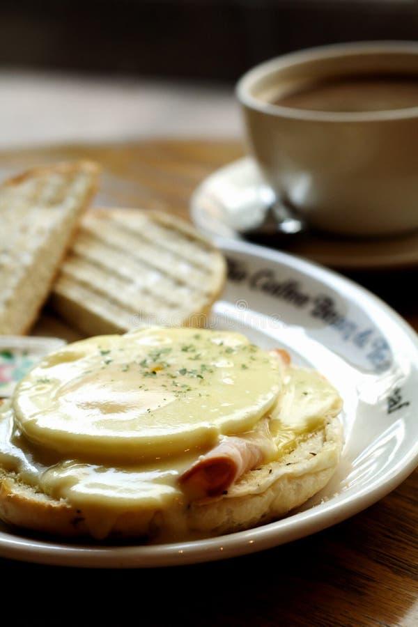 Prima colazione di Benedict di uovo fotografie stock libere da diritti