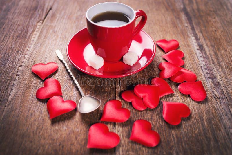 Prima colazione di mattina per il giorno di biglietti di S. Valentino fotografia stock
