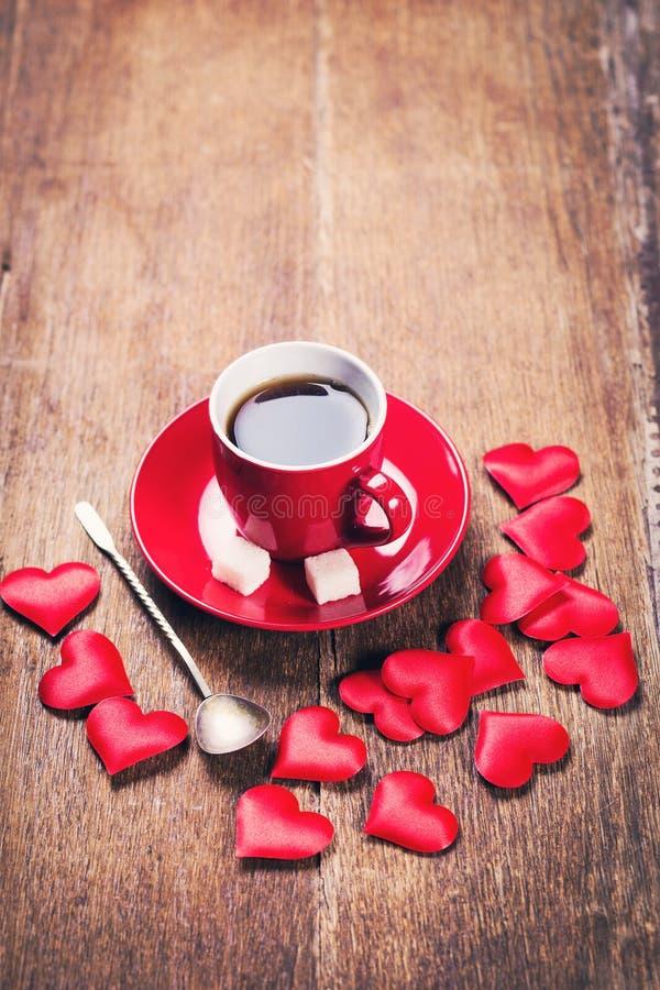 Prima colazione di mattina per il giorno di biglietti di S. Valentino fotografia stock libera da diritti