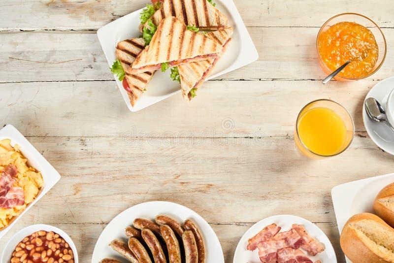Prima colazione inglese nella vista sopraelevata immagini stock libere da diritti