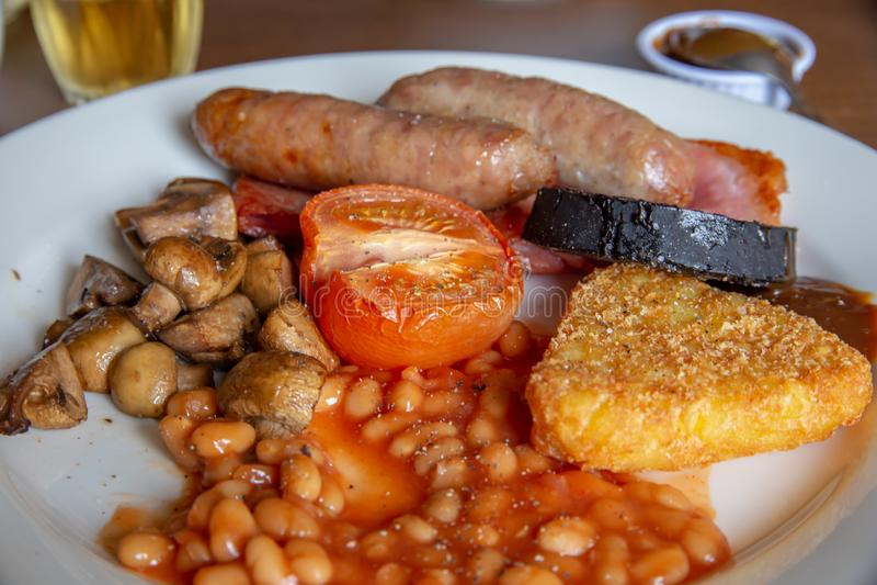 Prima colazione inglese tradizionale senza l'uovo immagine stock