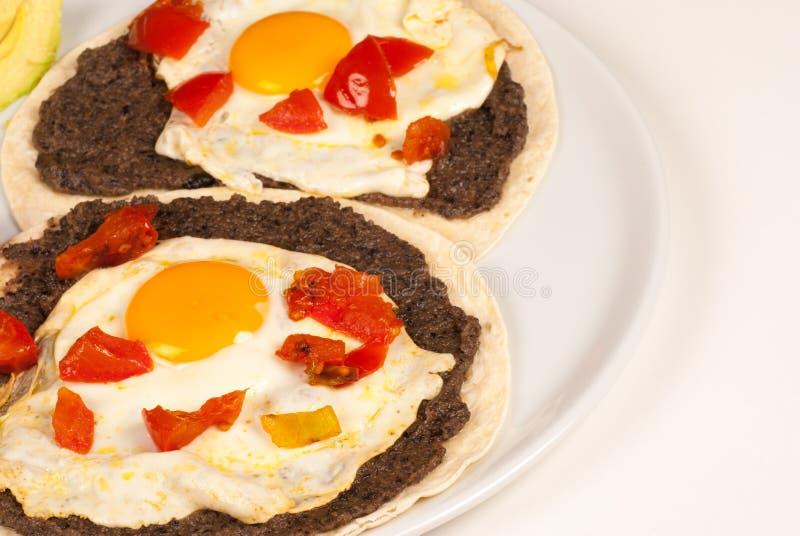 Prima colazione messicana dell'uovo immagini stock libere da diritti