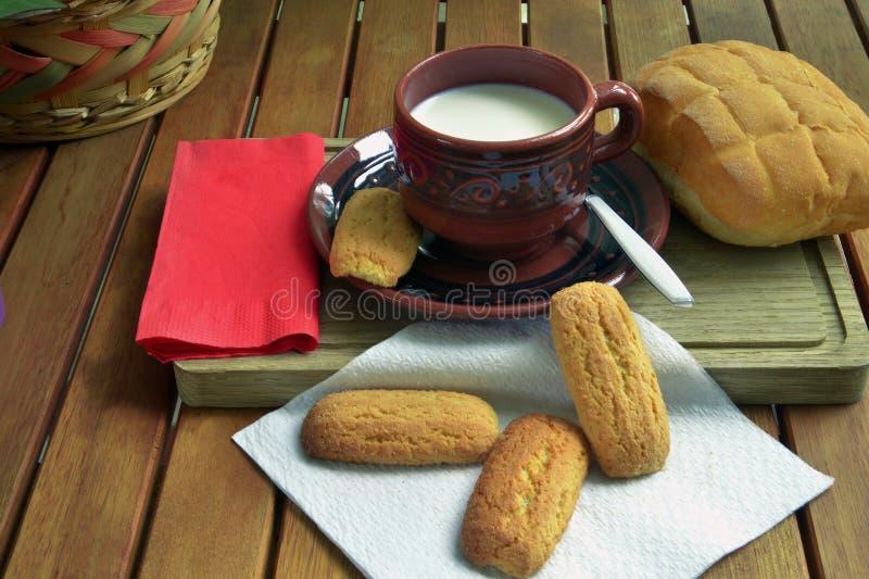 Prima colazione nel paese immagini stock libere da diritti