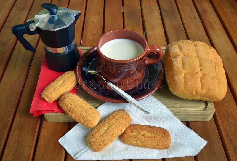 Prima colazione nel paese immagine stock libera da diritti