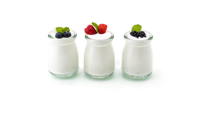 Prima colazione sana con yogurt e la bacca, stanti a dieta, freschezza, min fotografia stock