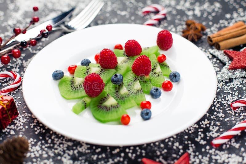 Prima colazione sana dello spuntino del dessert di Natale per i bambini immagine stock libera da diritti