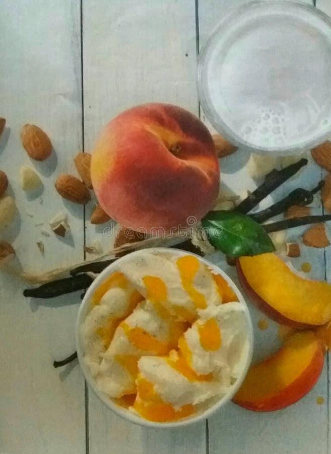Prima colazione sana di estate immagini stock libere da diritti