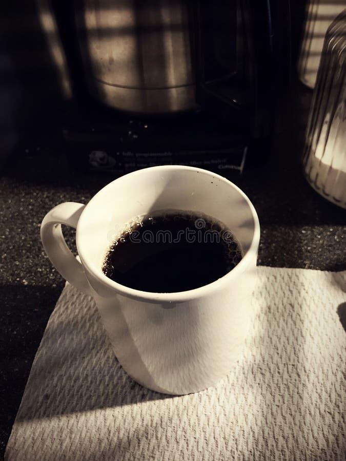 Prima tazza del caffè di mattina fotografie stock