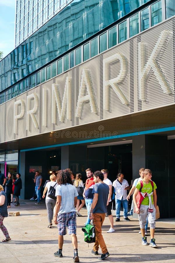 Primark in Berlijn stock foto