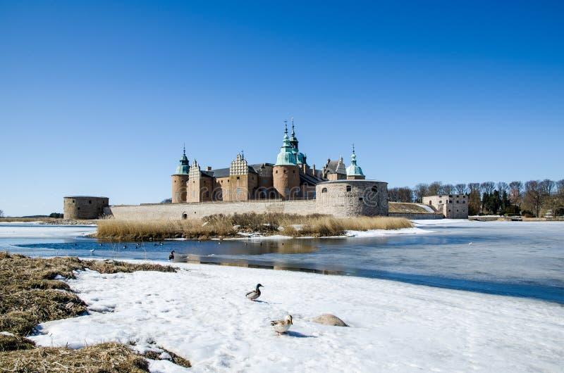 Primavera en el castillo de Kalmar, Suecia imagen de archivo libre de regalías