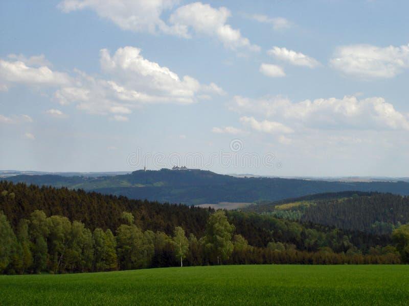 Download Primavera en el Erzgebirge imagen de archivo. Imagen de campos - 100529589