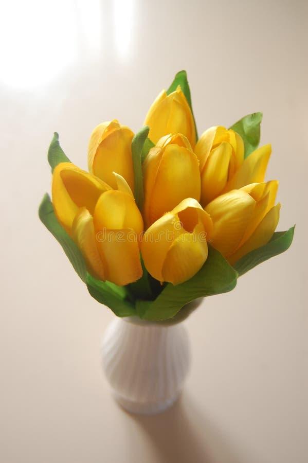 Primavera en un florero imagenes de archivo