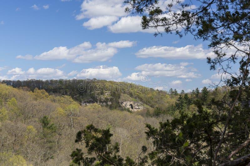 Primavera nelle colline sceniche fotografia stock
