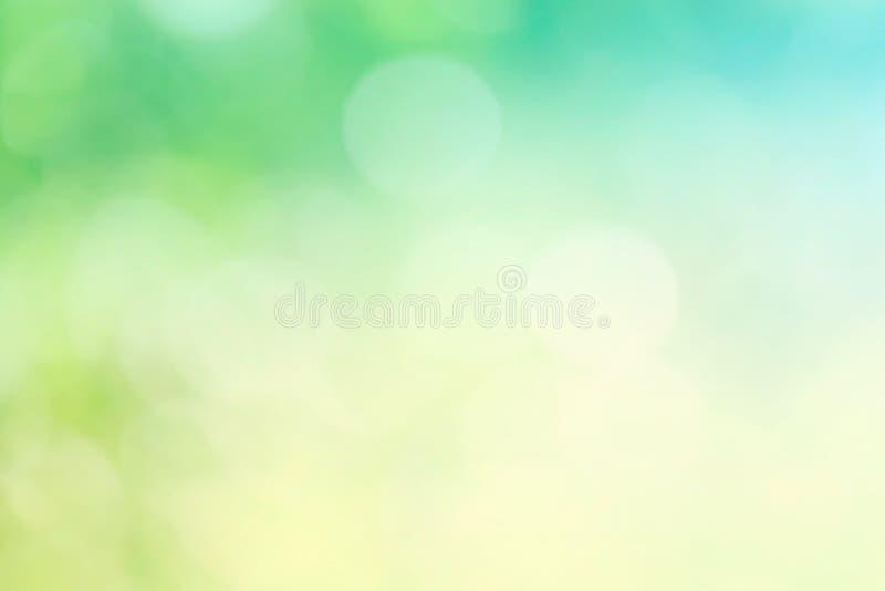 Primavera o fondo del verano Fondo verde y amarillo del bokeh Naturaleza ilustración del vector