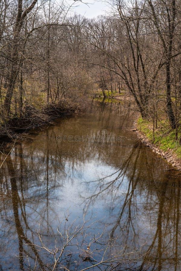Primavera temprana a lo largo de la cala de Perkiomen en el condado de Bucks Pennsylvania foto de archivo libre de regalías