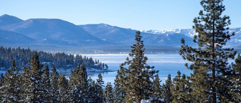 Primeira neve de Lake Tahoe imagem de stock