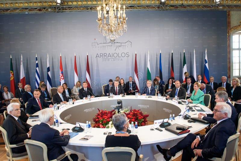 Primeira sessão de funcionamento, durante a 14a reunião informal do grupo de Arraiolos imagens de stock royalty free