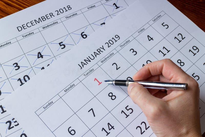 Primeiro dia de marcação de janeiro, começando ano novo foto de stock