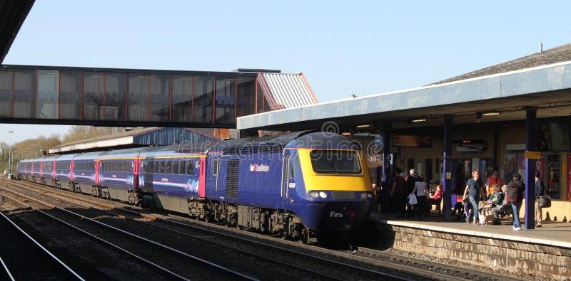 Primeiro TGV de Great Western na estação de trem de Oxford fotografia de stock