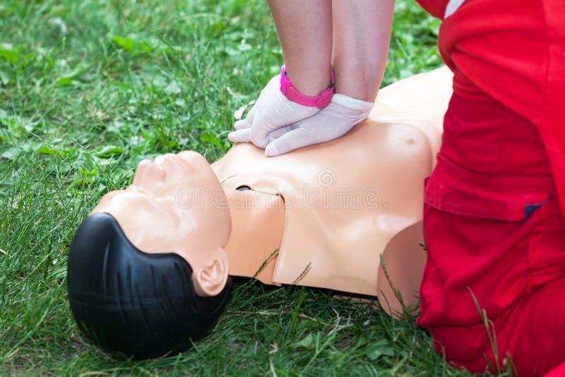 Primeiros socorros e treinamento do CPR fotografia de stock