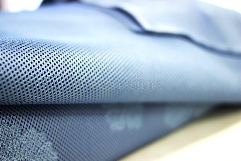 Primer azul de la tela de Tulle en perspectiva primer azul de la tela con textura de la materia textil foto de archivo