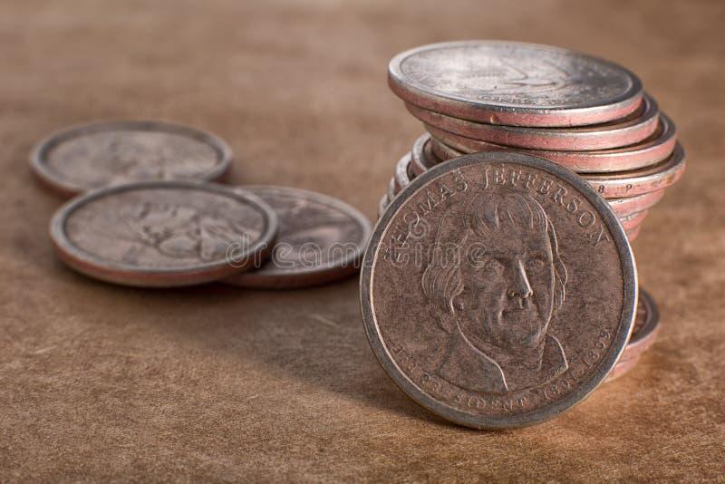 Primer de Estados Unidos monedas de un dólar imagen de archivo libre de regalías