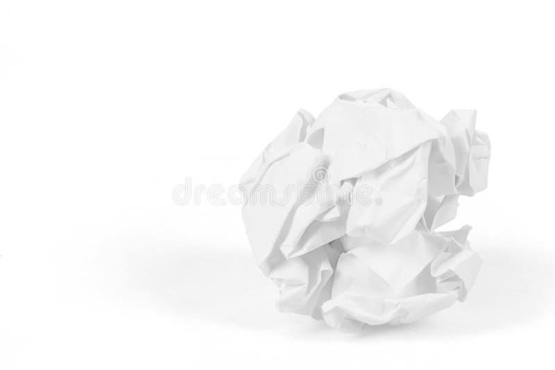 Primer de la bola de papel arrugada imagenes de archivo