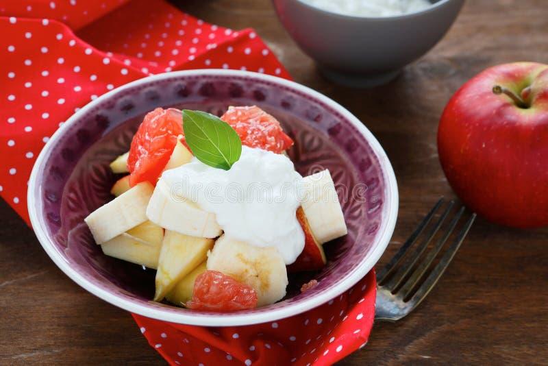 Download Primer De La Ensalada De Fruta Foto de archivo - Imagen de rojo, alimento: 42445824