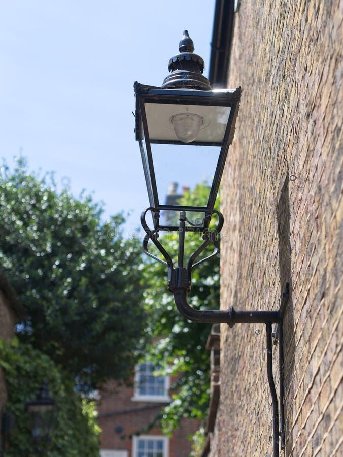 Primer de la lámpara de calle del vintage foto de archivo