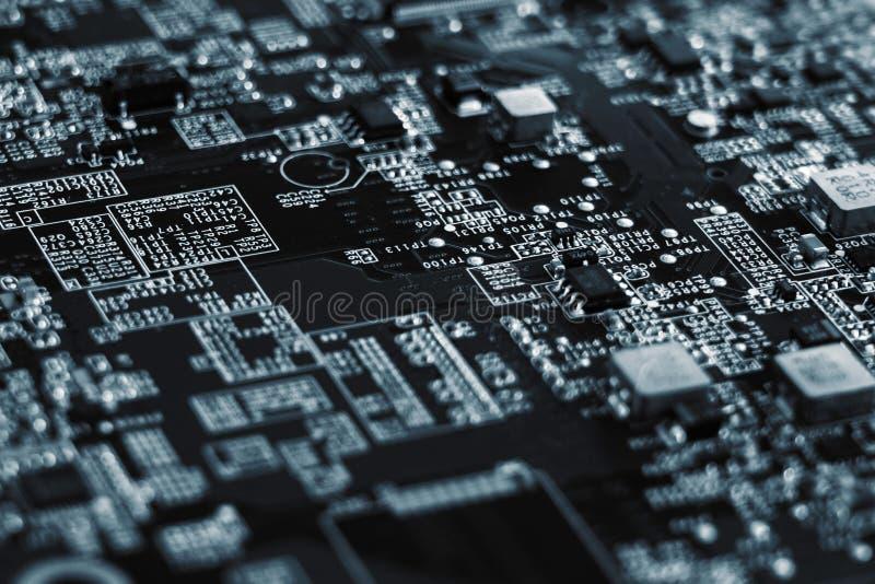 Primer de la placa de circuito electr?nica con el procesador de la placa madre del ordenador