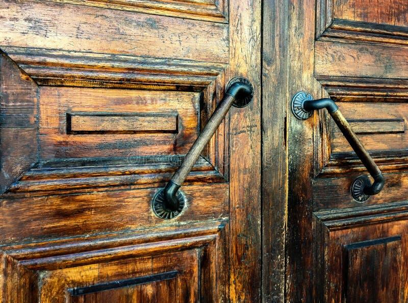 Download Primer De La Puerta Texturizada Con La Manija Imagen de archivo - Imagen de fondo, primer: 100527659