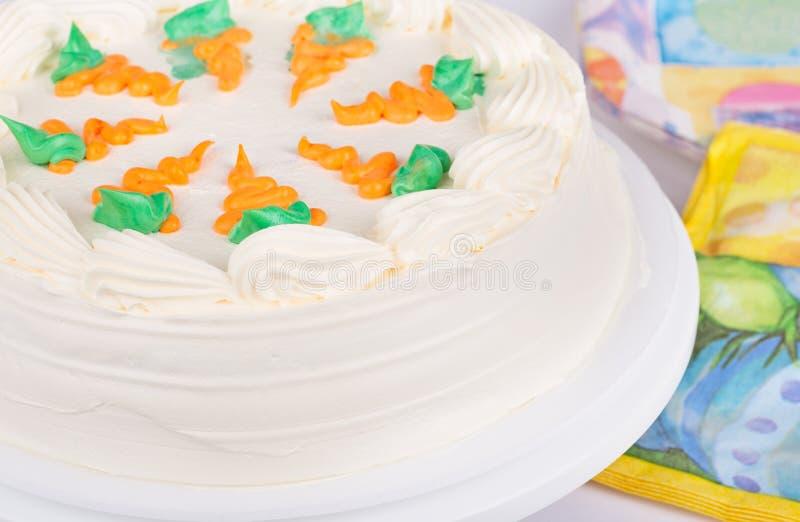 Primer de la torta de zanahoria fotos de archivo