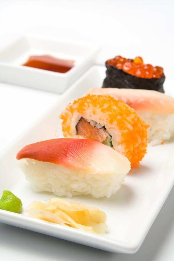 Primer de la variación del sushi foto de archivo