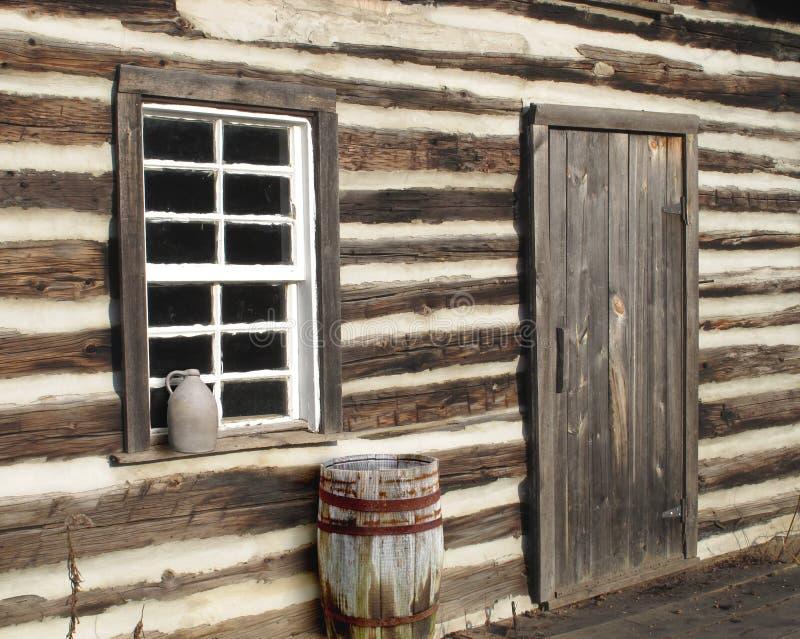 Primer de la ventana de puerta de cabina de registro fotos de archivo libres de regalías