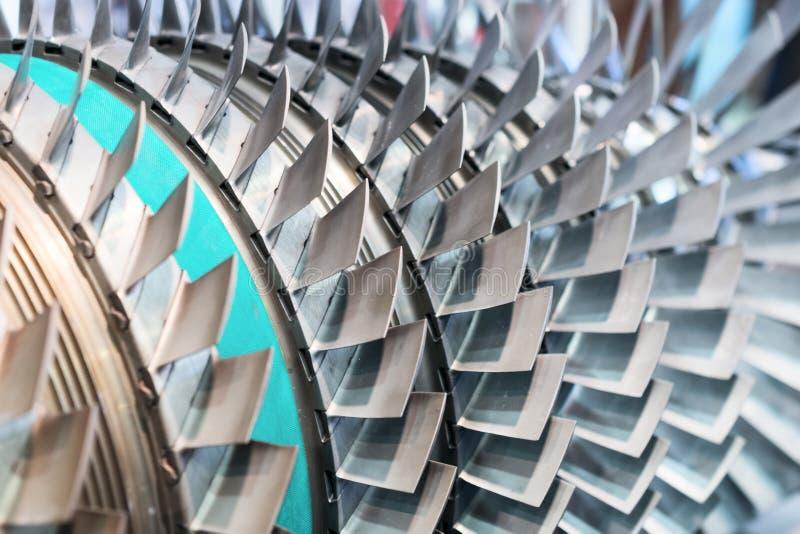 Primer de las cuchillas de turbina Profundidad del campo baja foto de archivo libre de regalías
