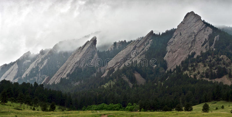Primer de las montañas de Flatiron en Boulder, Colorado fotografía de archivo libre de regalías