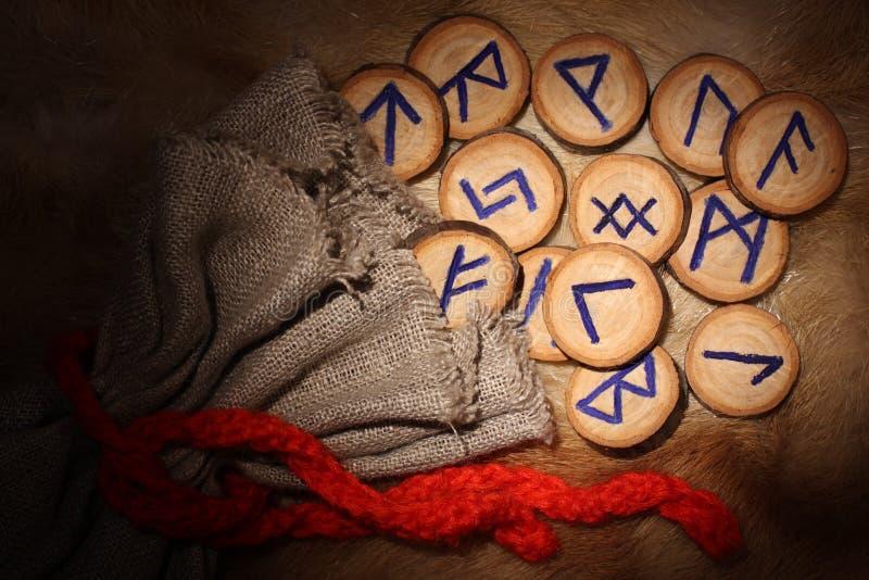 Primer de las runas fotografía de archivo libre de regalías