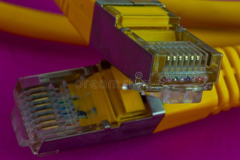 Primer de los enchufes de Ethernet fotografía de archivo