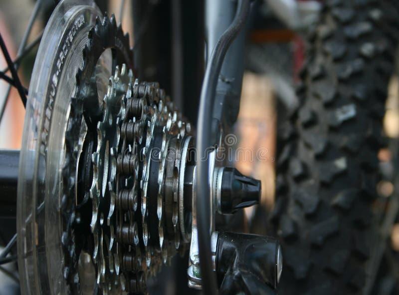 Primer de los engranajes de la bici imágenes de archivo libres de regalías